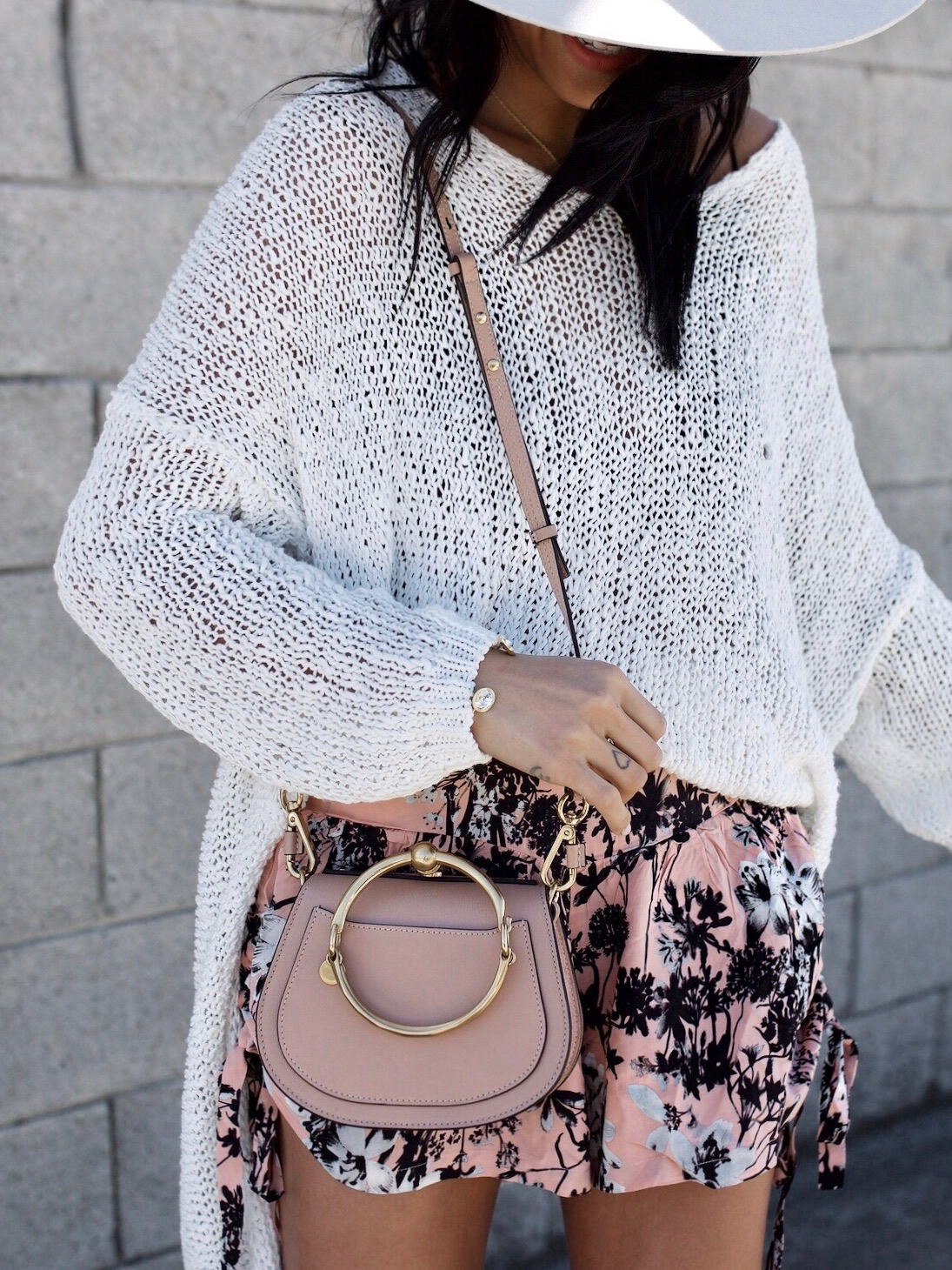 What to Wear in Spring | Chloe Nile Bag | Free People Sweater