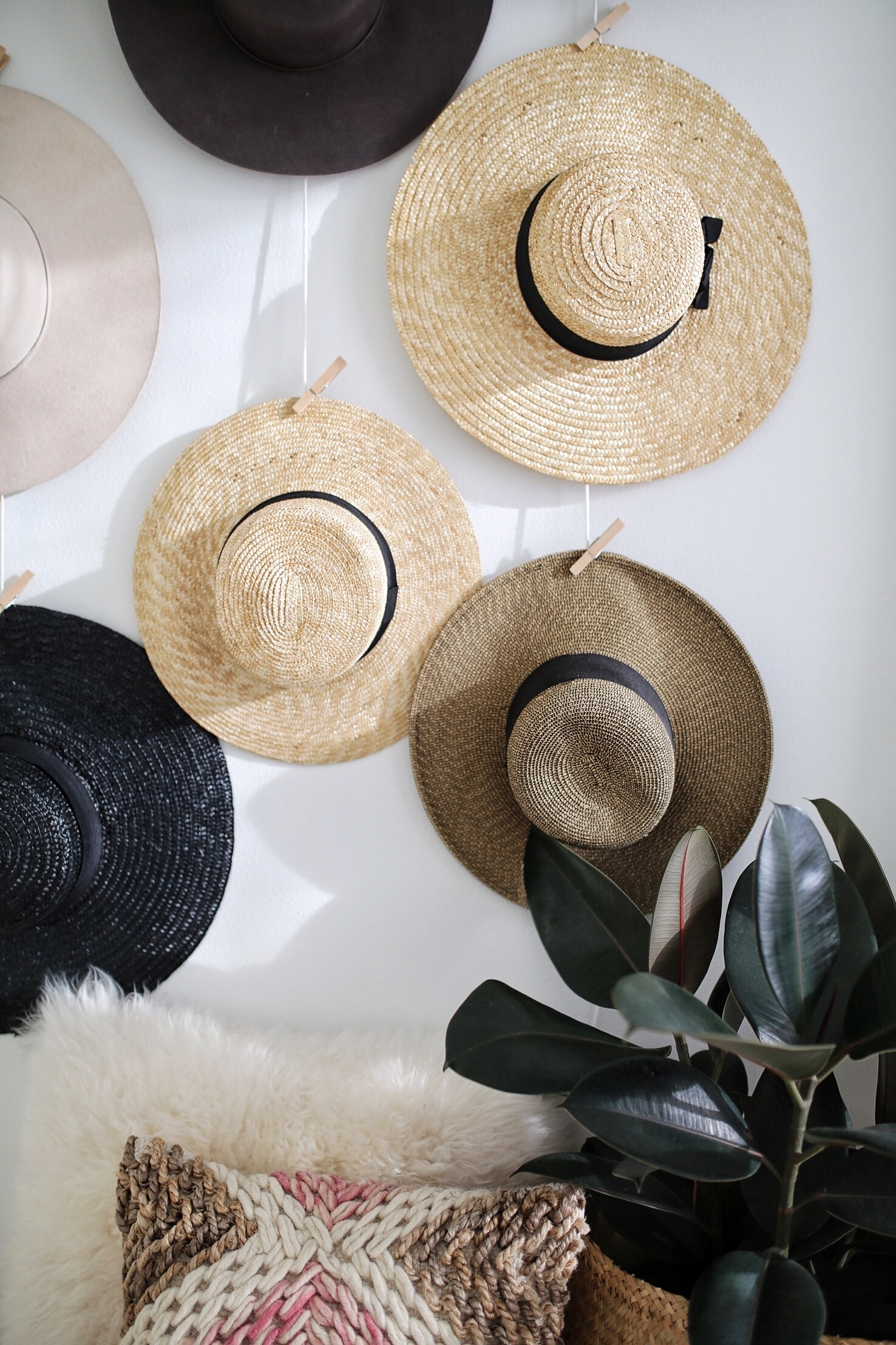 DIY Hanging Hat Rack Wall Display