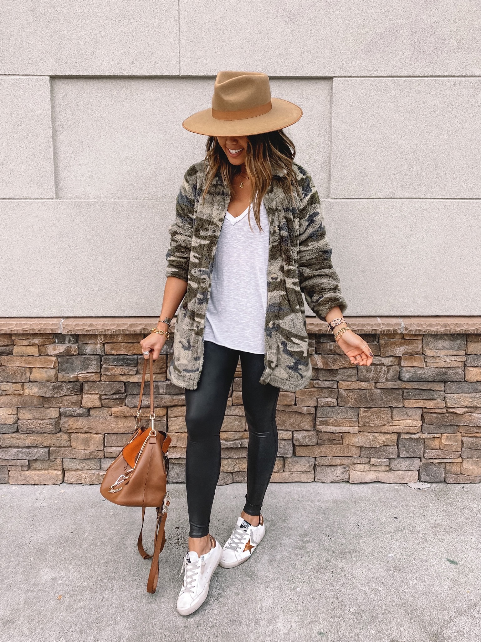 20 Cute Transitional Fall Outfits To Copy Right Now   Gypsy Tan